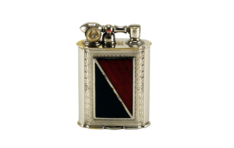 evans glass enamel gilloche  black red digonal number 2 liftarm cigarette lighter